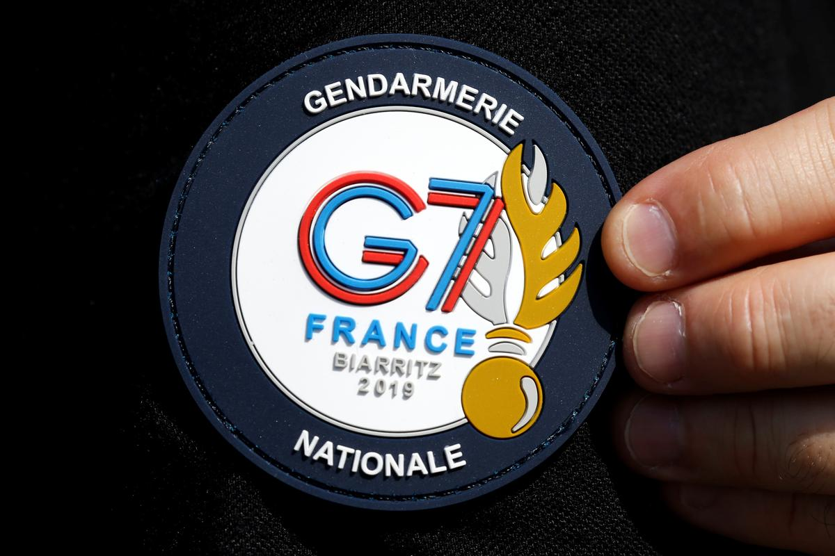 French yellow vests join global activists at G7 counter-summit