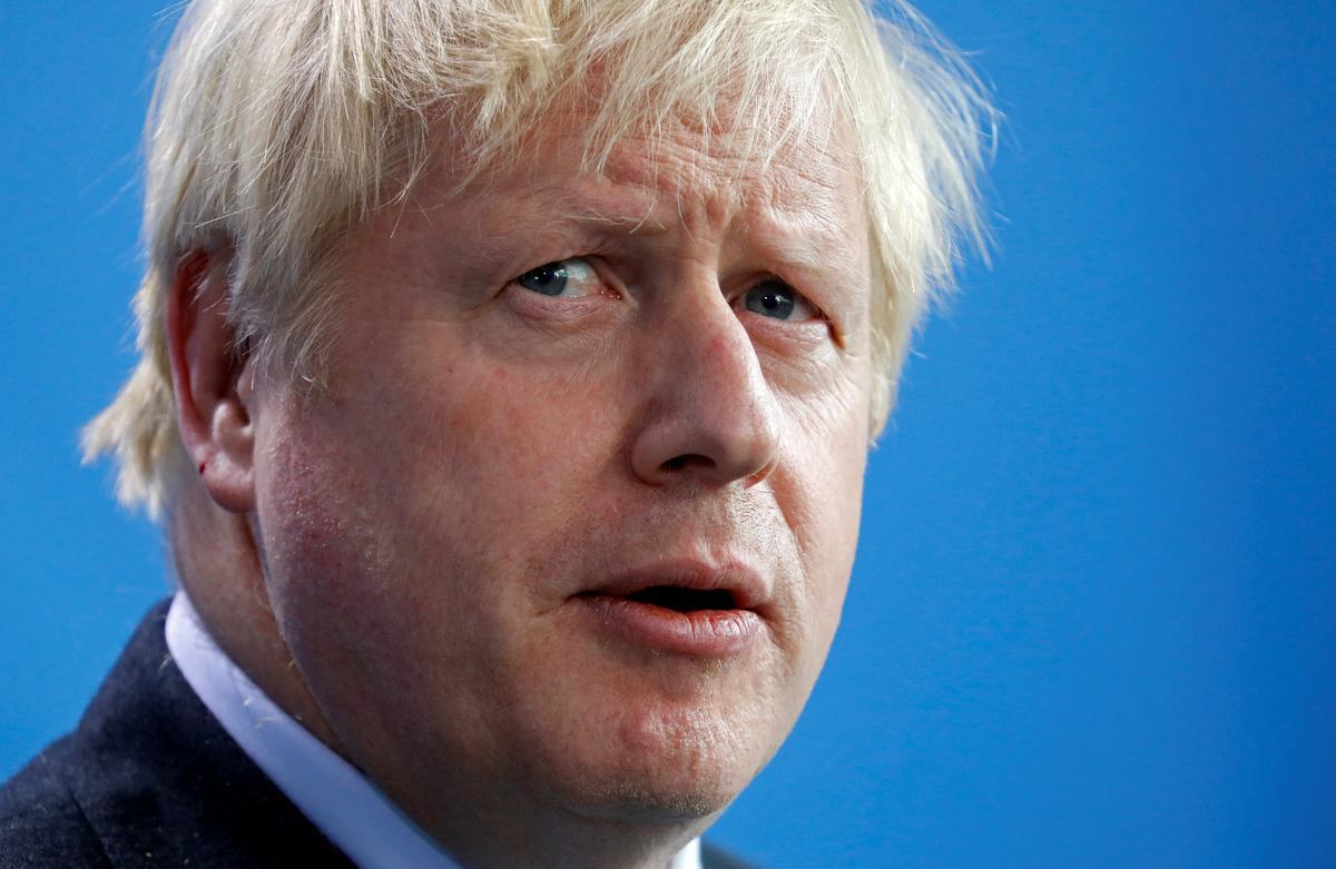 PM Johnson faces tough Brexit lunch with Macron